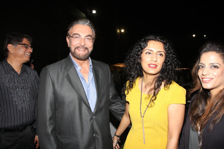 Kabir-Bedi-with-wife-Parveen-Dusanj